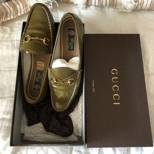AUTH Vintage Patent Gucci Loafers